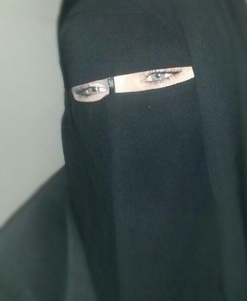 سيدة اعمال مغربيه اقيم في قطر ابحث للزواج عن رجل ثلاثيني